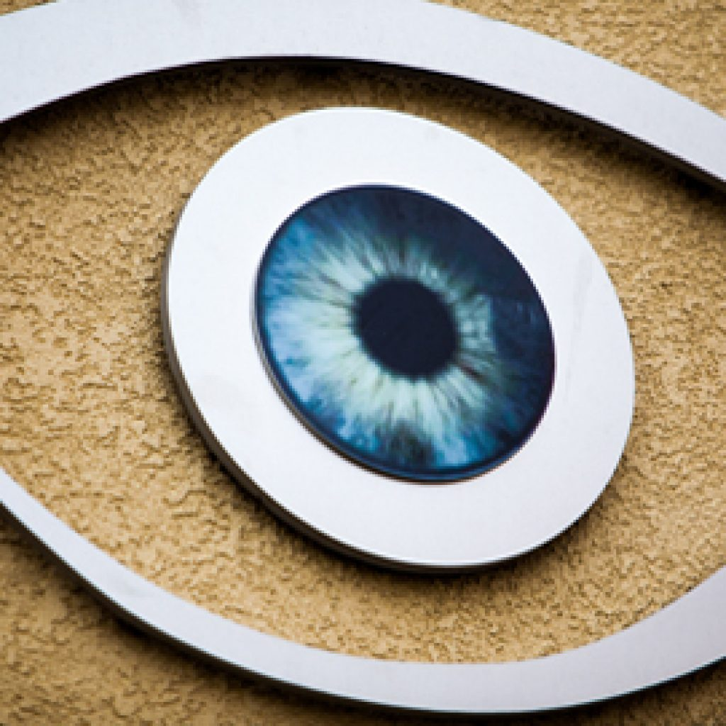 LASIK Surgery by Dr. Leonard and Associates in the San Fernando Valley